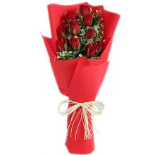 send one dozen red roses in bouquet to dhaka